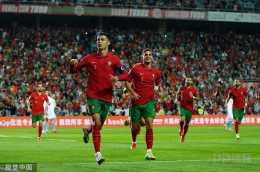 世預賽-葡萄牙5-0盧森堡 C羅帽子戲法B費傳射